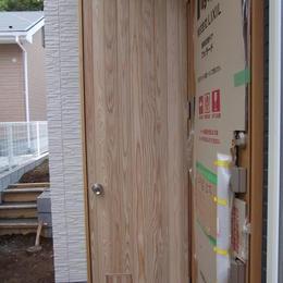 猫窓付縁子板戸